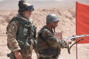 Consiglieri militari italiani e truppe afghane dell'Ana ad Herat © sett 2009  np