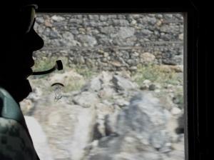 Dall'interno di un humvee americano al confine tra Afghanistan e Pakistan np -
