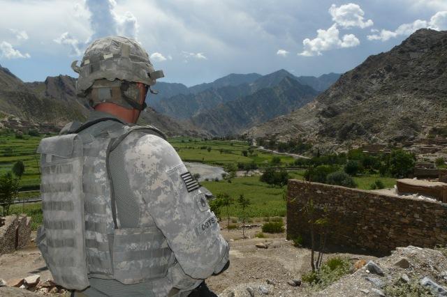 Militare americano nella valle del fiume Pech, Provincia di Kunar, Afghanistan Orientale
