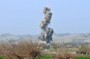 bombardamento sul bunker talebano ©isaf 2011