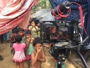 La camera, la curiosità, i sorrisi, i bambini #mojo #mobilejournalism