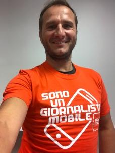 Con la maglietta di Mojo Italia
